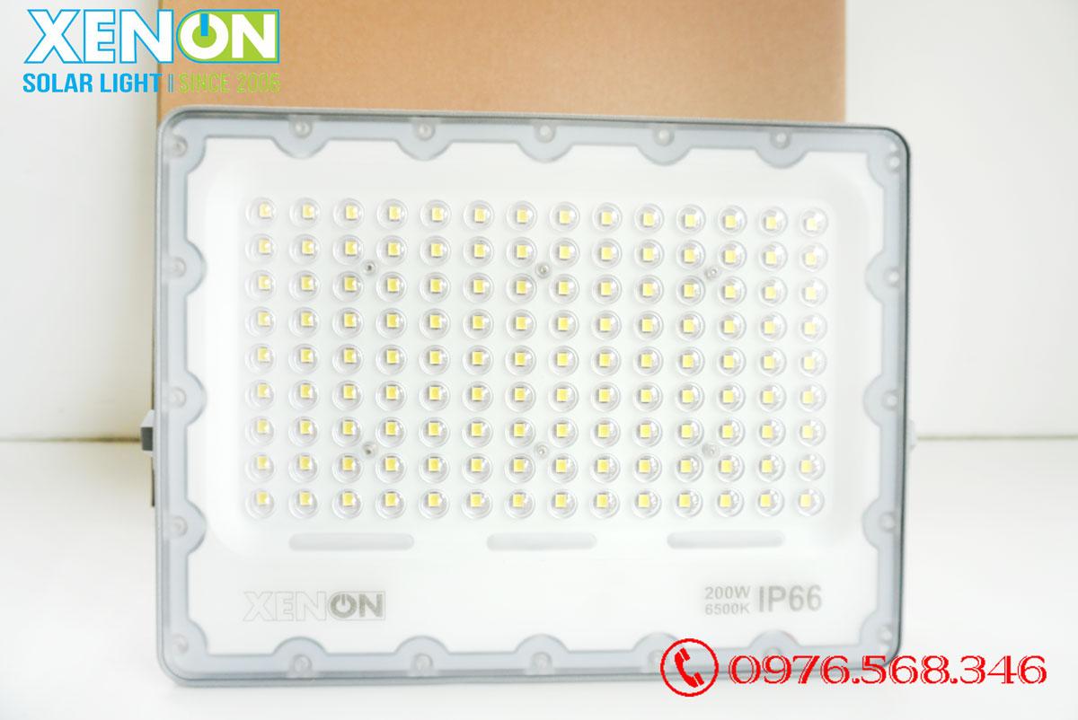 Đèn pha năng lượng mặt trời Xenon Deluxe DL200W
